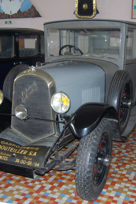 1926 - Delaunay Belleville S4 - Sic seater fabric body of Weymann type